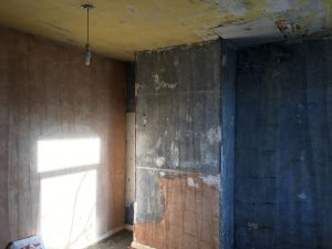 image of a bedroom before skimming